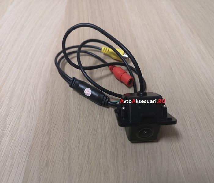 Штатная камера заднего вида для Kia Cerato 2013+