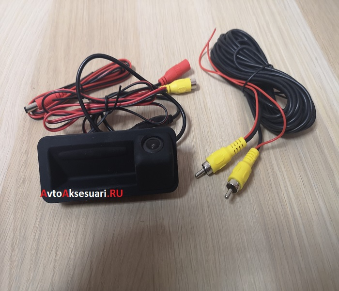 Камера заднего вида Land Rover в ручку багажника