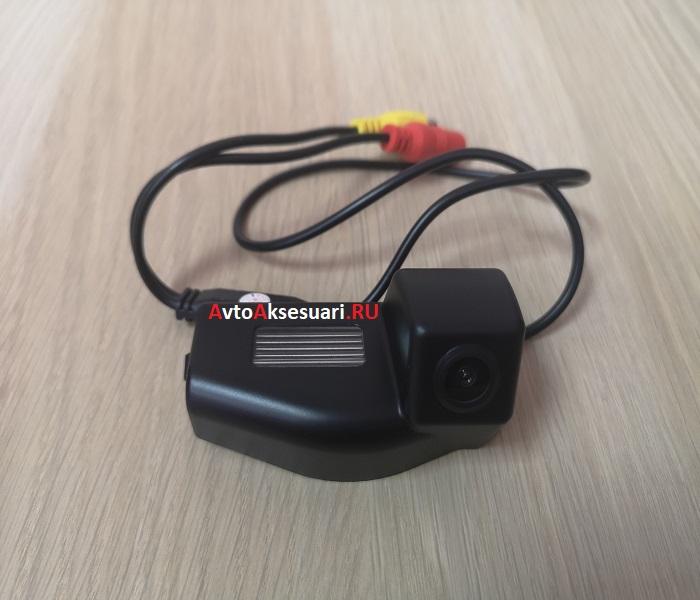 Камера заднего вида Mazda 3